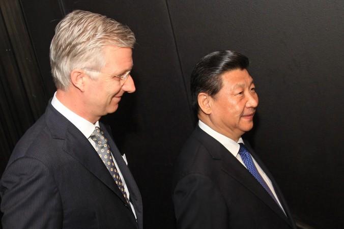 Король Бельгии Филипп (слева) и лидер Китая Си Цзиньпин в Концертном зале Брюгге 1 апреля 2014 года. Фото: Yves Logghe/AFP/Getty Images