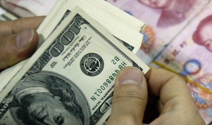 Китайских «голых» чиновников попросили «одеться»