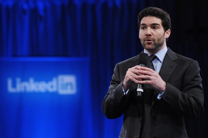 Генеральный директор Linkedin Джефф Вайнер выступает в Музее компьютерной истории в Маунтин-Вью, штат Калифорния, 26 сентября 2011 года. Он объявил в феврале, что LinkedIn будет соблюдать китайскую цензуру. Фото: Mandel Ngan/AFP/Getty Images