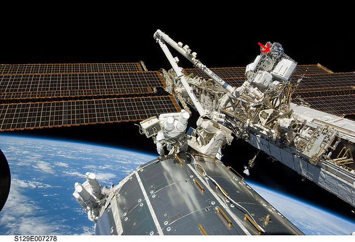 космос, космонавты