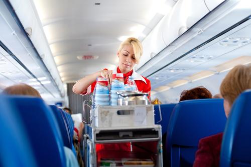 Как не свести стюардессу с ума, или 10 правил хорошего поведения в самолёте