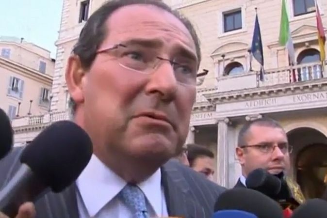 Мэр Венеции и еще 34 человека арестованы по подозрению в многомиллиардных махинациях