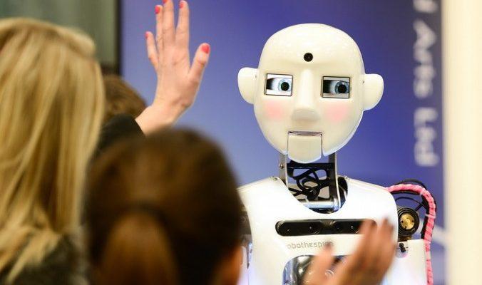 Эмоциональный робот появится скоро в продаже