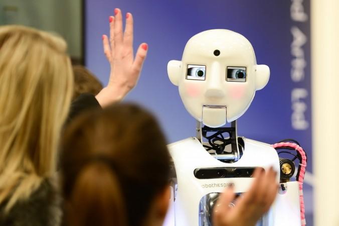 Наука, Япония, робот с эмоциями