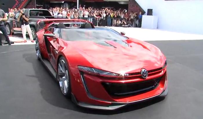 Мечта сбылась: Volkswagen представил GTI Roadster. Автомобиль сначала появился в видео-игре Gran Turismo 6. Фото: скриншот/unitedpictures.tv