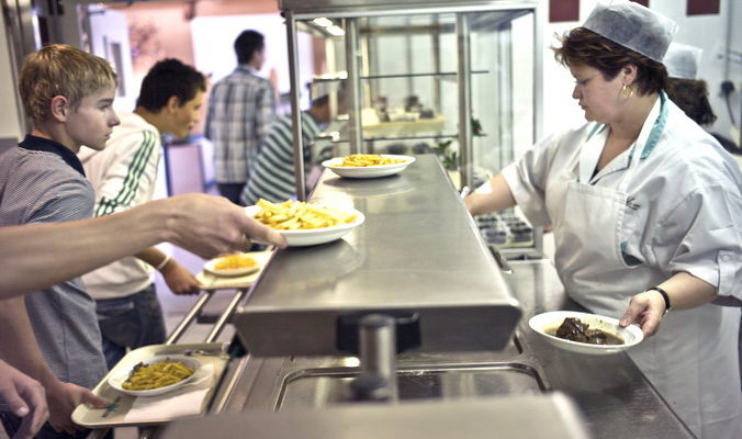 Родители будут дегустировать школьные обеды