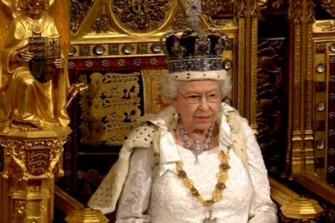Королева Великобритании обратилась к парламенту с речью