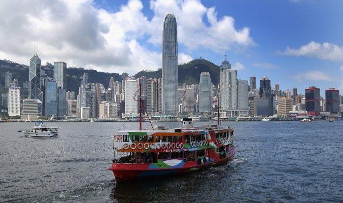 Эмиграция из Гонконга резко увеличилась