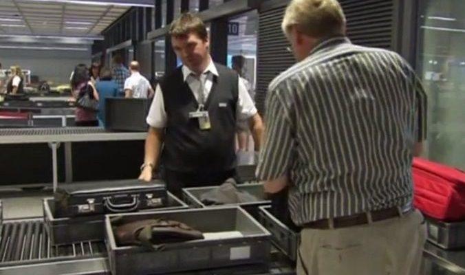 США призывают страны ЕС усилить меры безопасности в аэропортах (видео)