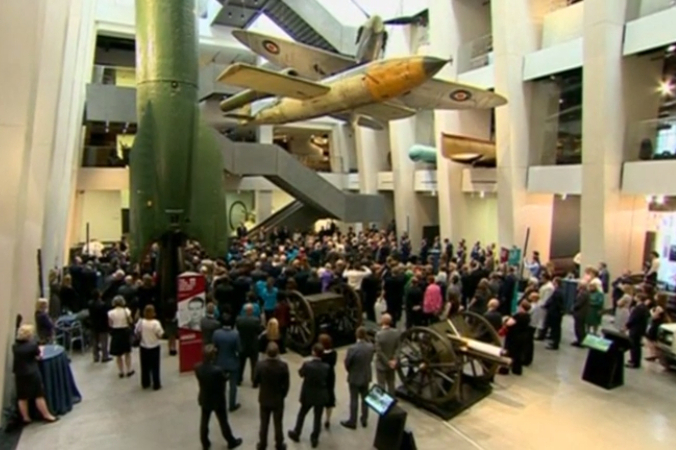 Принц Уильям и Дэвид Кэмерон открыли выставку в Имперском военном музее