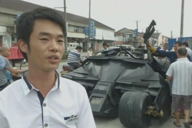 Китаец построил Бэтмобиль из материалов со свалки