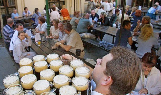 Пивоварня Чехии приглашает туристов на праздник пива