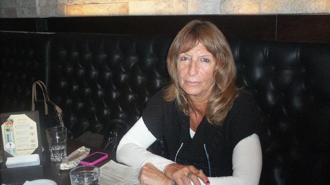 Буэнос-Айрес, Аргентина. Вивиана Фишер, 63 года, пенсионерка:  Это невозможно. Я считаю, что это невозможно, потому что молодые пары не имеют возможности скопить деньги. Пара из среднего класса имеет какие-то доходы, но этого недостаточно. У нас нет кредитов для таких целей, это только для богатых людей.