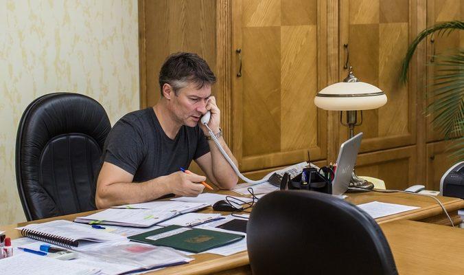 Глава гордумы Екатеринбурга подал в отставку из-за преследования Ройзмана
