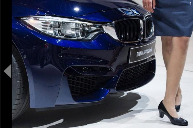 Новый BMW M4 Cabrio на автовыставке 2014 AMI Auto Show 30 мая 2014 года в Лейпциге, Германия. Фото: Jens Schlueter/Getty Images