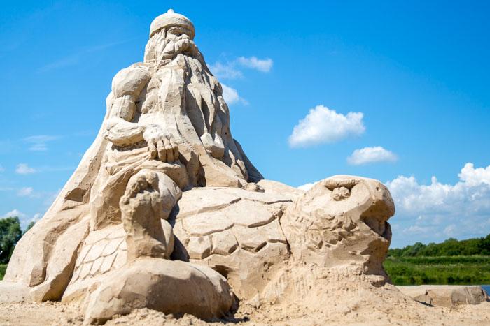 Фестиваль Песчаных фигур на пляже комплекса «Окская Жемчужина» в Рязани. Фото: Сергей Лучезарный/Великая Эпоха