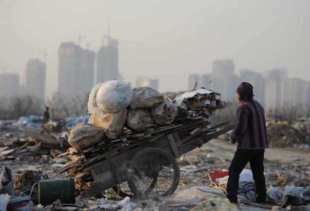 Разрыв между бедными и богатыми в Китае продолжает расти. Фото с epochtimes.com