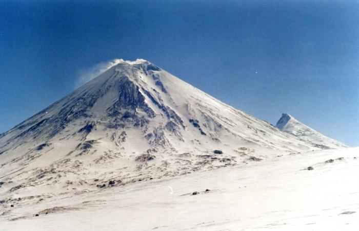 Камчатские вулканы снова активизировались