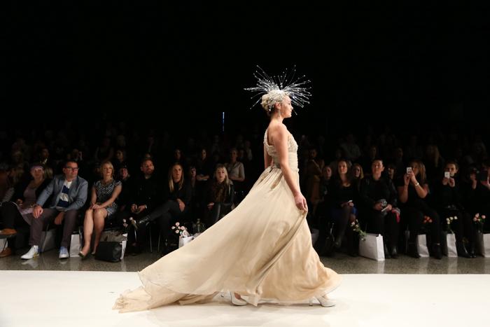 мода, свадебные платья, показ мод