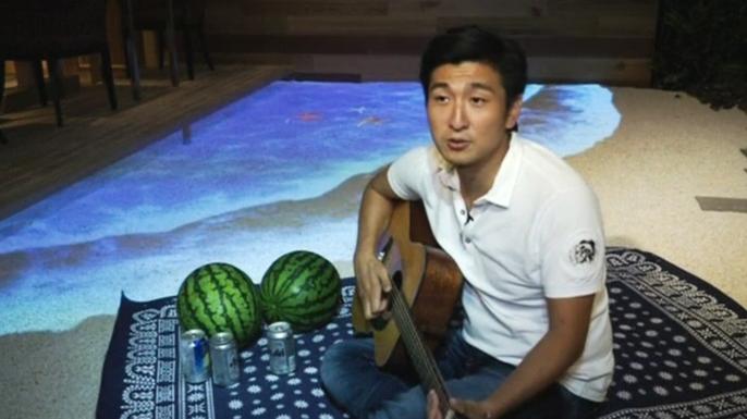 Японская компания обустроила сотрудникам пляжный рай прямо в офисе