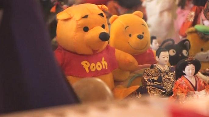 Жители Японии сожгли свои игрушки в храме в знак прощания с детством