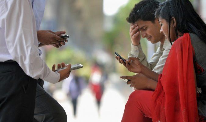 Взрыв мобильного телефона повредил абоненту челюсть