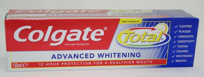 Зубная паста Colgate Total с триклозаном может представлять опасность
