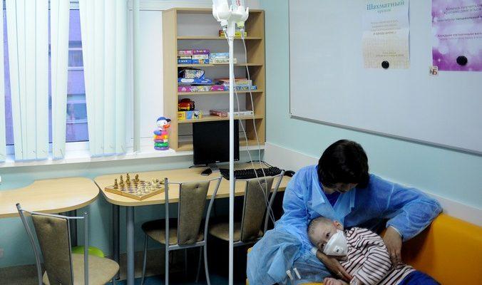 Детям из Донецка оказывается медицинская помощь