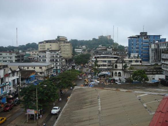 Военные Либерии обстреляли жителей, которые намеревались покинуть зону карантина