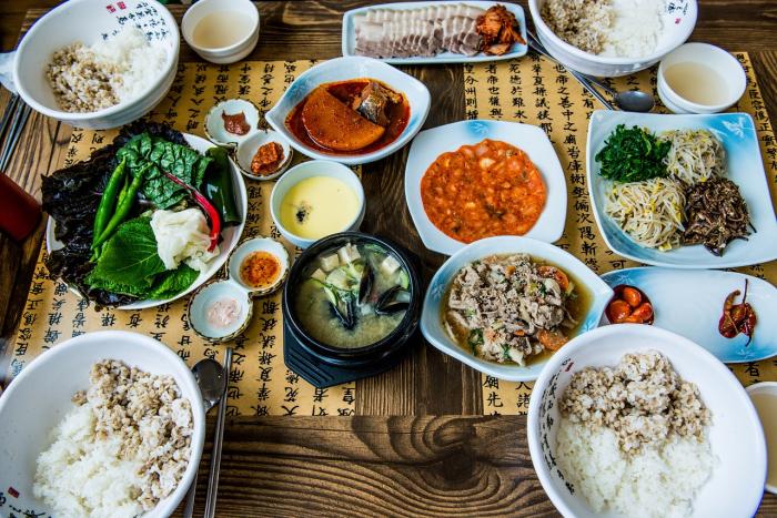 Корейский столовый этикет