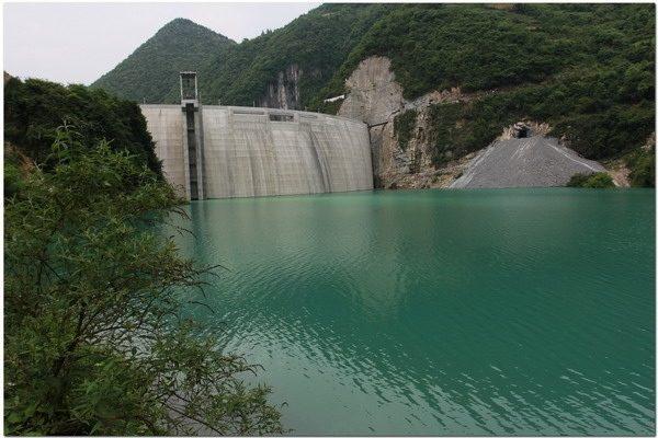 Более 50 тысяч человек в Китае остались без воды из-за загрязнения