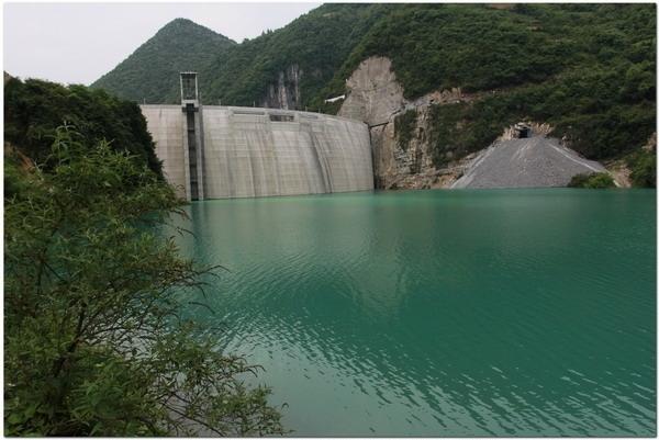Вода в водохранилище Чаньчжанянь до загрязнения. Август 2014 года. Фото с epochtimes.com