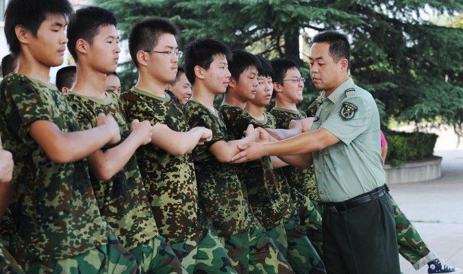 Китайские студенты не выдержали курса военной подготовки