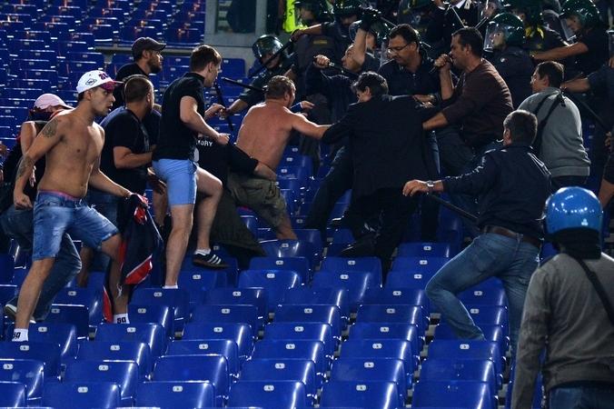 футбол, УЕФА