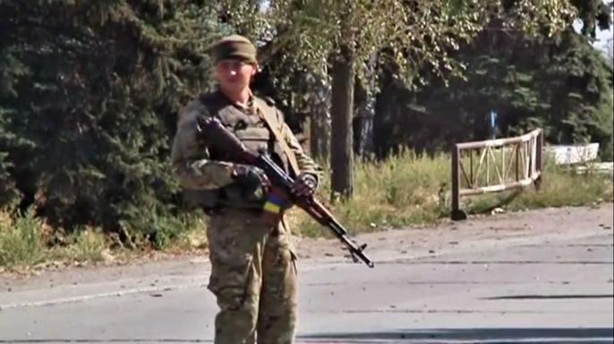 Amnesty International обвиняет обе стороны конфликта на Украине в военных преступлениях. Скриншот видео.