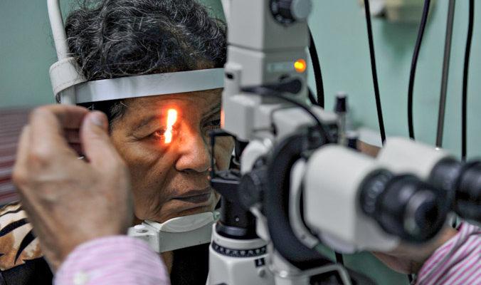 Японские учёные сделали первую операцию по пересадке сетчатки из стволовых клеток