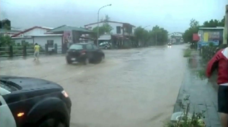 Из-за тайфуна в Китае эвакуированы более 200 тысяч человек. Скриншот видео.