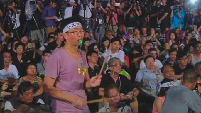 Население Гонконга протестует против ограничений на местных выборах
