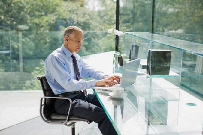 Продолжительность жизни зависит от времени, проведенного в сидячем положении – ученые. Фото: Tom Merton/Getty Images