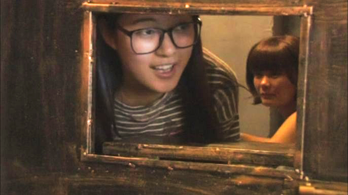Обед за решёткой: тематический ресторан в Китае предлагает посетителям почувствовать себя арестантами