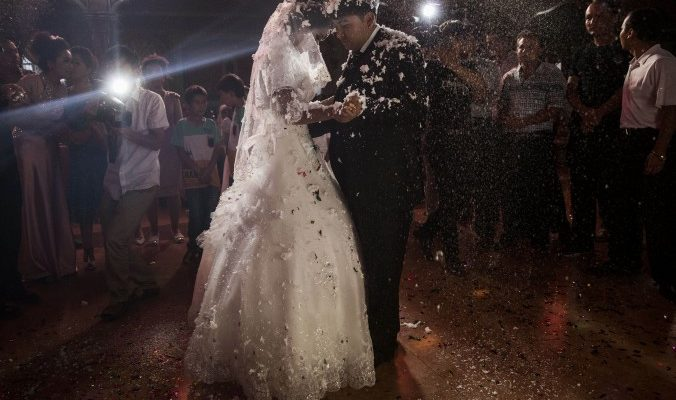Власти оплатят браки между ханьцами и уйгурскими мусульманами