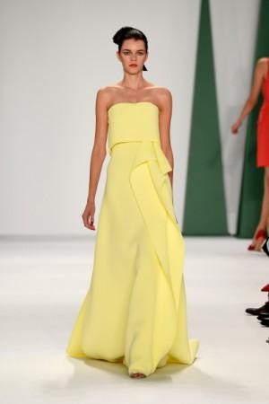 Показ  Carolina Herrera, неделя моды в Нью-Йорке, 8 сентября.  Фото: Frazer Harrison/Getty Images for Mercedes-Benz Fashion Week