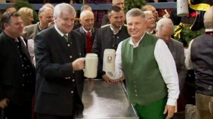 В Мюнхене стартовал крупнейший в мире фестиваль пива Октоберфест. Скриншот видео.