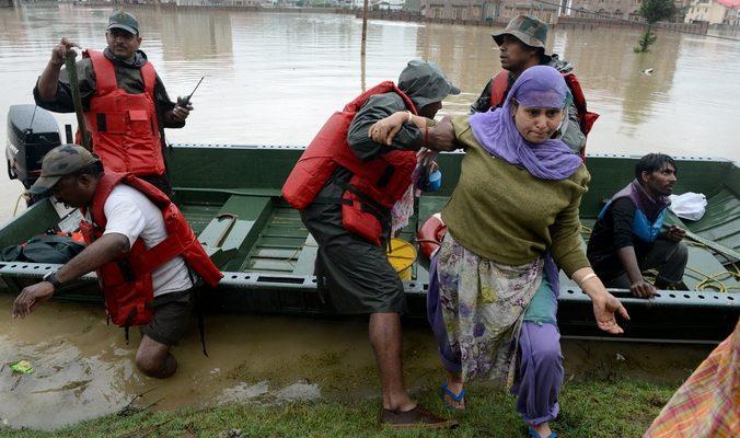 В Индии и Пакистане от наводнений погибли более 200 человек