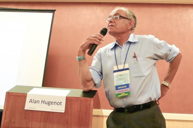 Д-р Алан Гугенот обсуждает возможность жизни после смерти с научной точки зрения на конференции IANDS 2014  в Ньюпорт-Бич, Калифорния, 29 августа 2014 г. Фото: Tara MacIsaac/Epoch Times