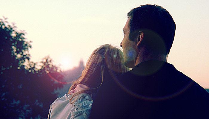 Пары, начавшие знакомство в сети, реже женятся и чаще расстаются