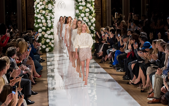 Valentin Yudashkin : Runway - Paris Fashion Week Womenswear Spring/Summer 2015