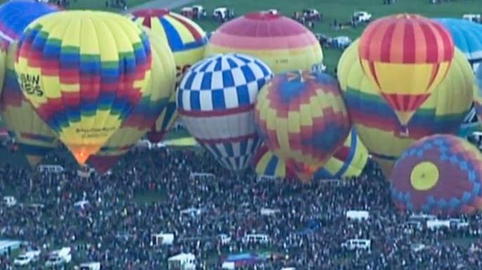 Сотни воздушных шаров взмыли в небо над Альбукерке