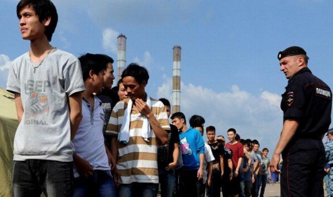 Около 7 000 мигрантов задержано в Москве для проверки