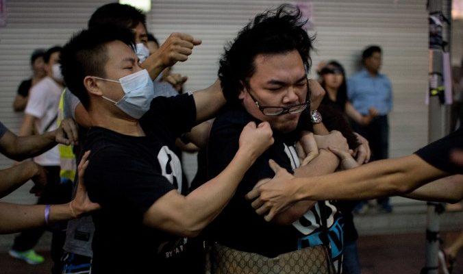 Лидеры КПК имеют разногласия в отношении протестов в Гонконге